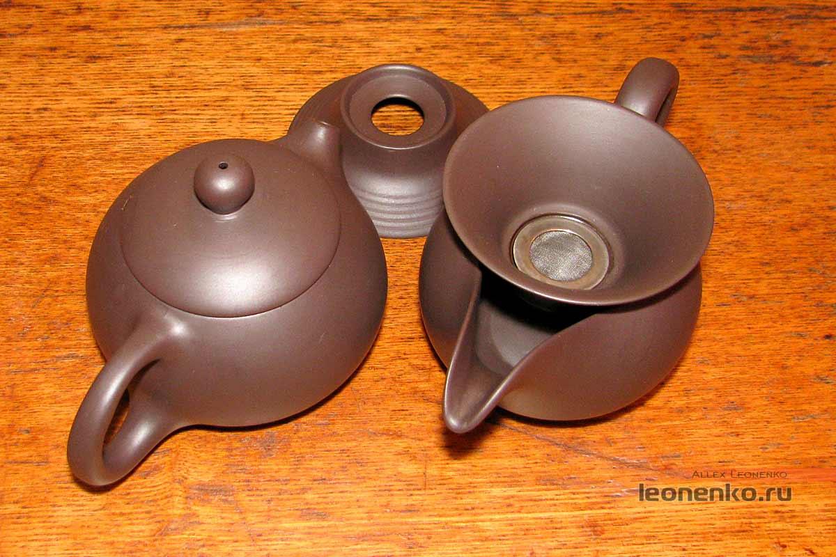 Глиняный набор для чайной церемонии - чайник, чахай и ситечко