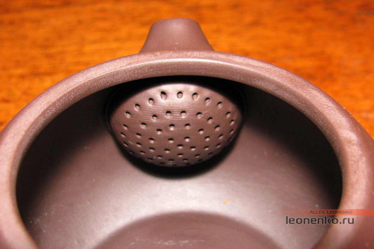 Глиняный набор для чайной церемонии - ситечко внутри чайника