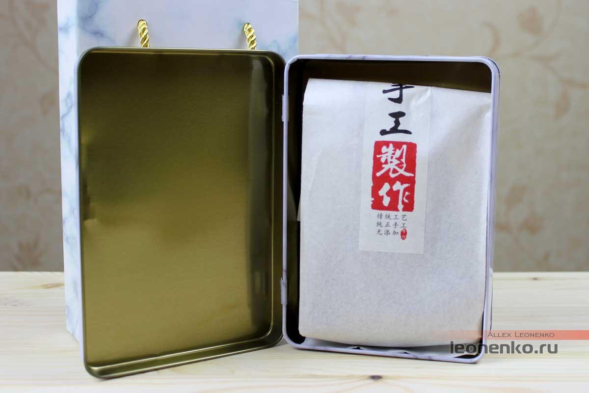 Упаковка с чаем внутри