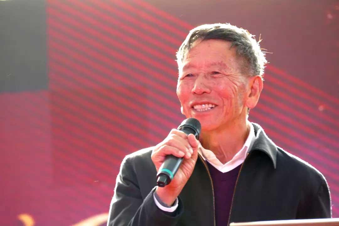 Ронг Цзя Шен, основатель Мэнку