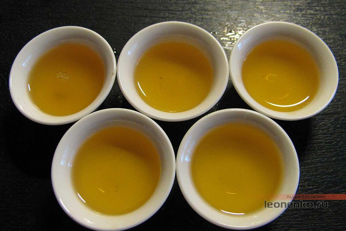 Шен пуэр с древних деревьев Си Бици - приготовленный чай