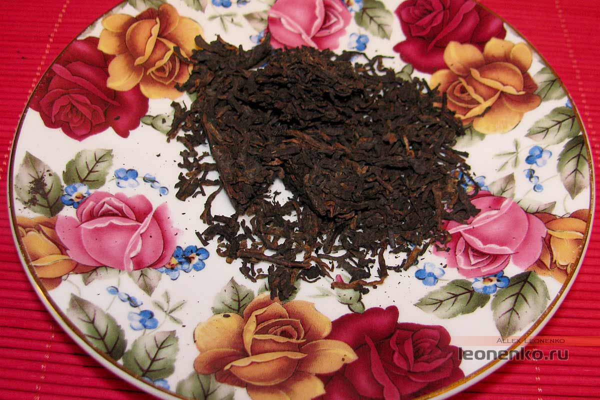 Шу пуэр 7562 2013 года от Menghai Da Yi  - подготовленный для заваривания чай