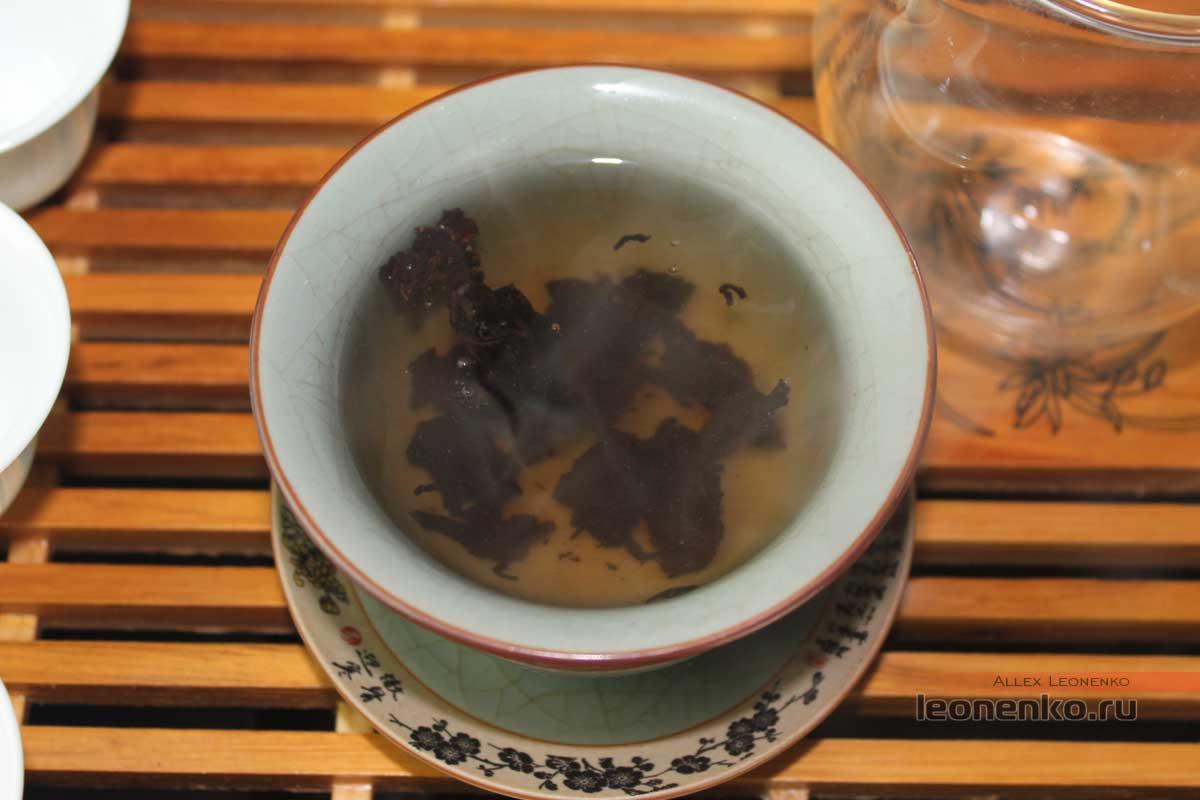 Старые чайные головы в гайвани