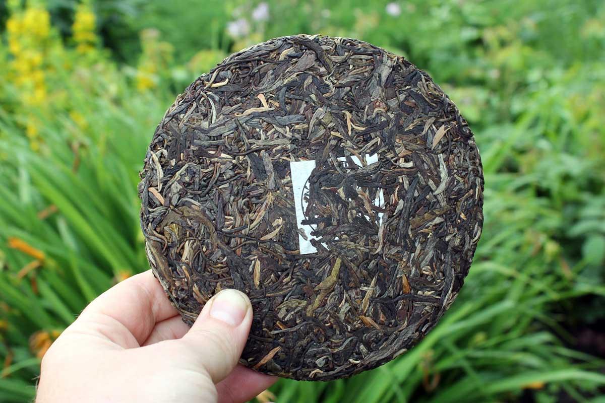 Лицевая сторона чайного блина с нейфеем